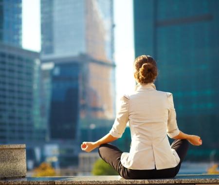 Meditación al aire libre baja