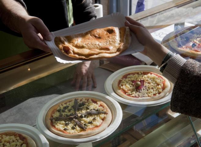 La crisis ha fomentado el consumo de comida rápida que se caracteriza por su alto contenido calórico