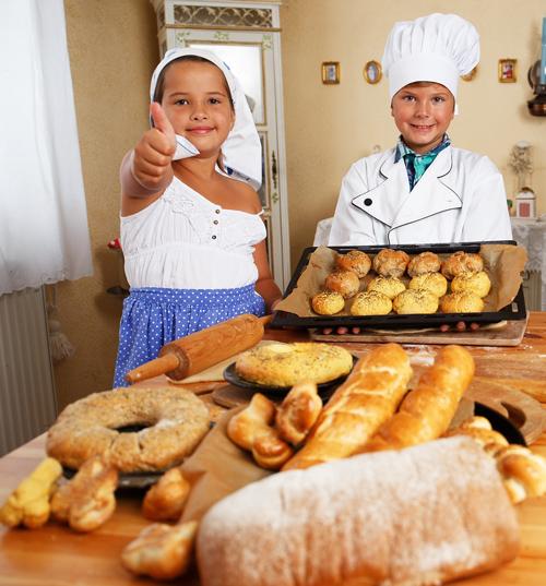 haciendo pan para un desayuno de campeones
