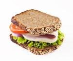bocadillo de pan de centeno integral