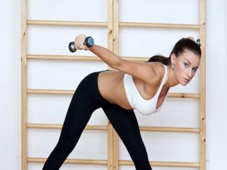 ejercicios-para-disminuir-gorditos-axilas